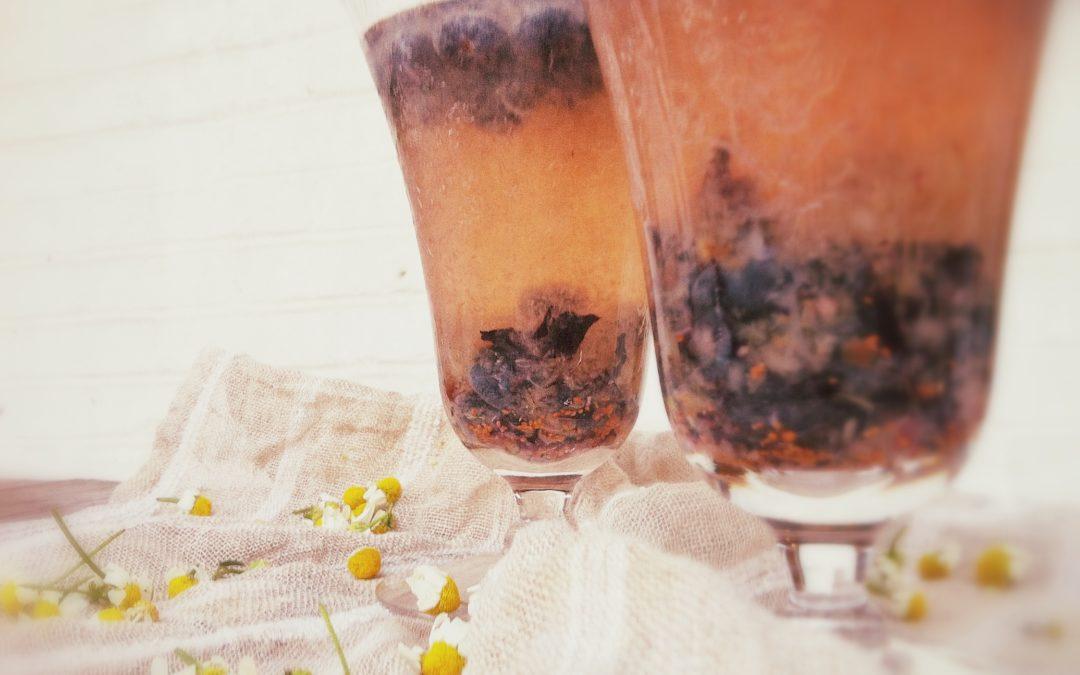 Acqua fresca bleuet-coco aromatisée à la camomille